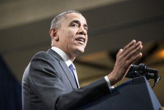 El presidente Barack Obama se dirige a los congresistas demócratas de la...