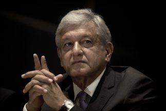 El aspirante de izquierda a la Presidencia de México, Andrés Manuel Lópe...