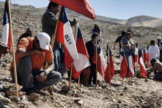 Los mineros atrapados en Chile siguen sin poder ser rescatados.
