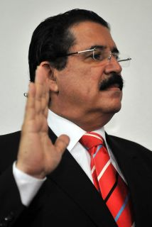 El derrocado presidente Manuel Zelaya planea un eventual regreso a su pa...