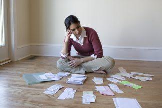 Casi 70% de los latinos en EEUU tienen dificultades para pagar sus facturas