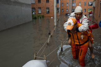 La temporada de lluvias iniciada en septiembre en Colombia deja 172 muer...