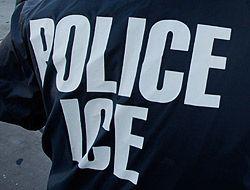 Agente de la Oficina de Inmigración y Aduanas (ICE) de Estados Unidos.