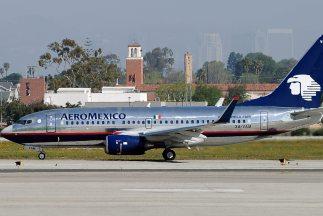 De concretarse la huelga se quedarían en tierra 56 aviones, con una afec...