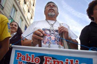El profesor Gustavo Moncayo, conocido como 'El caminante de la paz' denu...