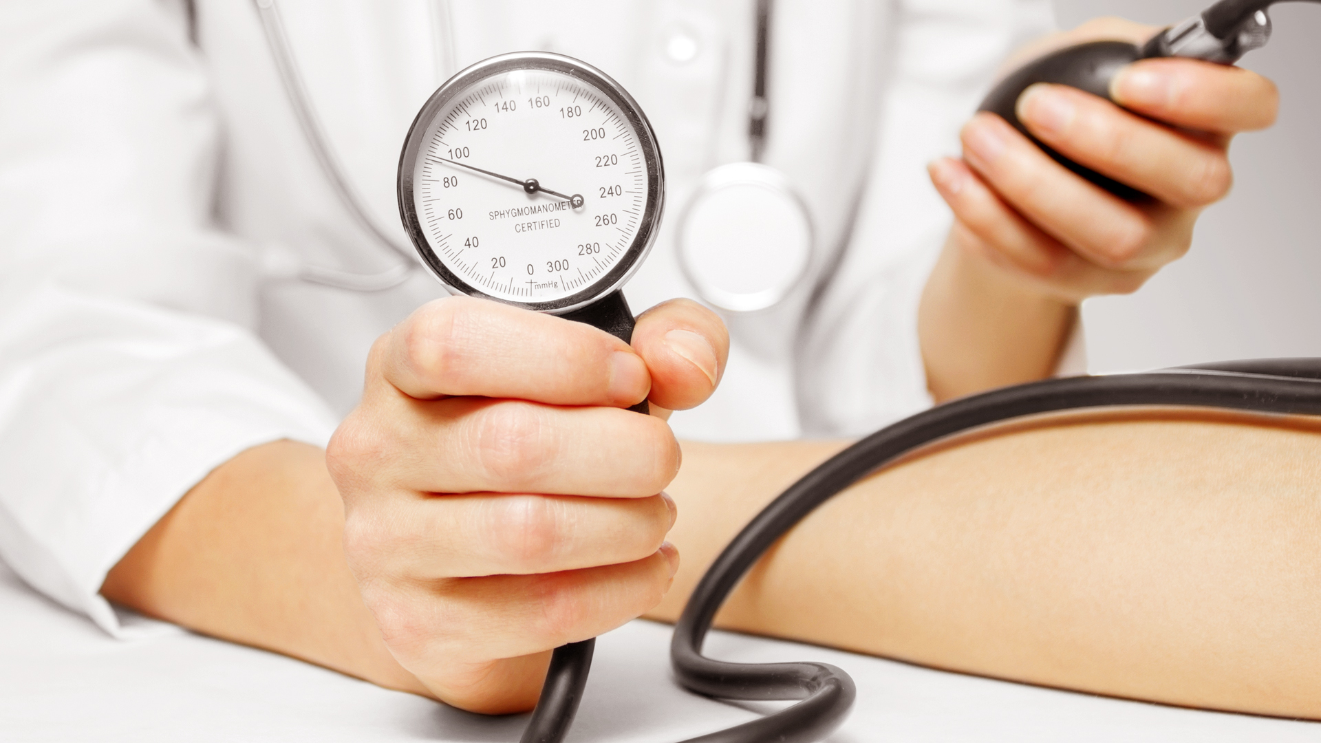 Как повысить артериальное давление дома, в домашних 11