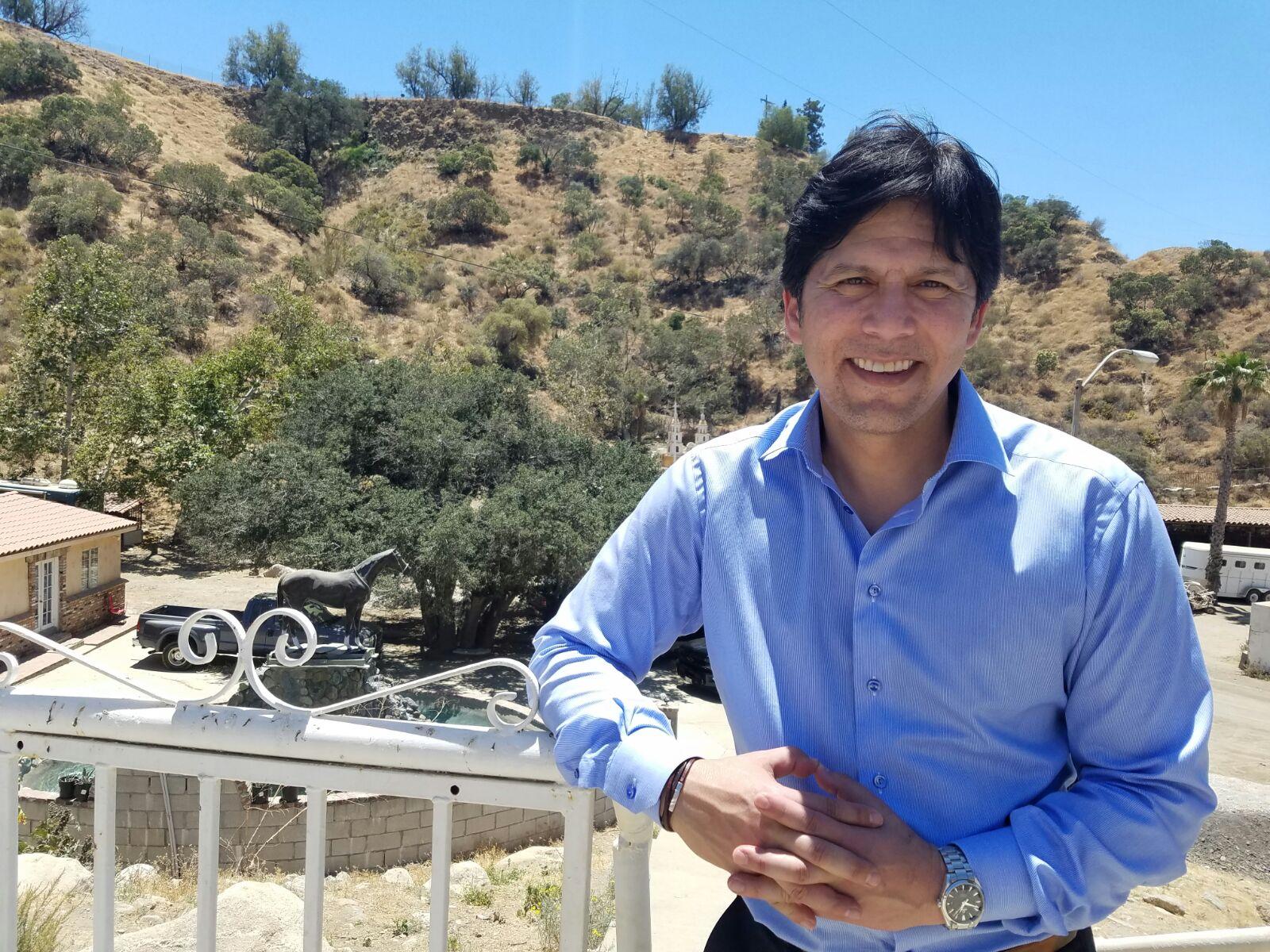 Kevin de León es el primer latino en liderar el Senado californiano en m...