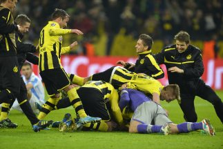 Perdiendo por un gol en el descuento, los alemanes marcaron un par de oc...
