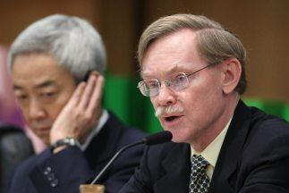 El presidente del Banco Mundial, Robert Zoellick, participa en uno de lo...