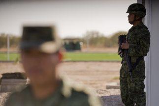 El presidente Felipe Calderón defendió la lucha de su gobierno frente a...