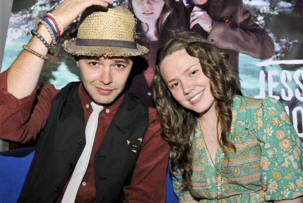 El dúo recibió el premio Voz de la Pazen una presentación en la Ciudad...