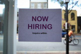 El nivel de desempleo se mantuvo aún cuando la fuerza laboral aumentó en...
