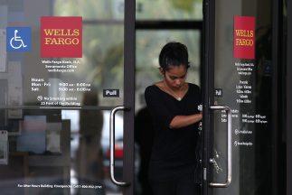 A través de un comunicado Wells Fargo negó las acusaciones y afirmó que...