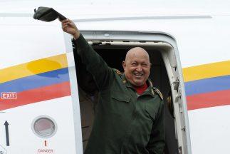 Chávez cuentacon un permiso de la Asamblea Nacional venezolana para aus...