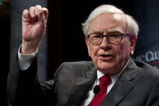 Según la revistaForbes, el patrimonio neto de Warren Buffett asciende a...