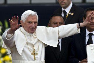 El papa Benedicto XVI ha recibido cálida bienvenida en Guanajuato.
