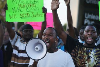 Residentes de Ferguson, Missouri, durante una protesta por la muerte, el...