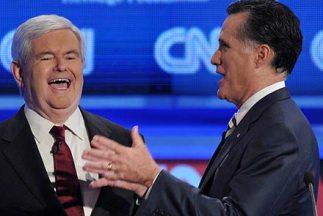 Los precandidatos republicanos Newt Gingrich (izquierda) y Mitt Romney (...