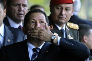 Decreto prohíbe usar imagen del presidente venezolano Hugo Chávez en pro...