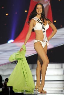 Mónica Spear, ex Miss Venezuela, fue asesinada a tiros junto a su pareja...