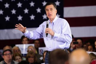 Mitt Romney tiene al menos $8 millones en 12 fondos en las Islas Caimán...