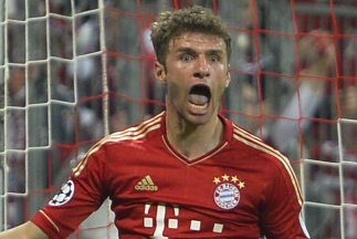 El jugador alemán convirtió dos de los cuatro goles en la aplastante vic...