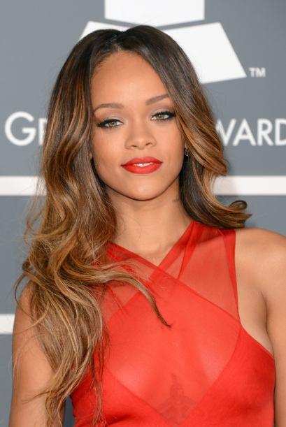 Tanto en la alfombra como en el escenario, Rihanna fue una de las prefer...