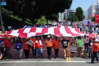California tiene la intención de integrar a 1.8 millones de trabajadores...
