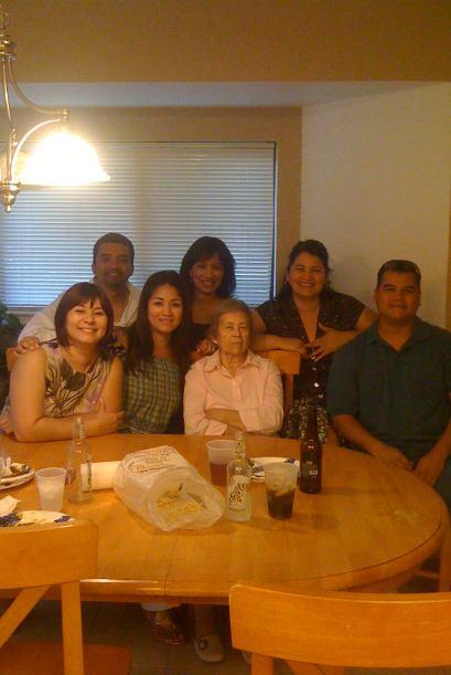 Blanca Gaytán, su abuelita y sus primeros seis nietos, quienes pasaban l...