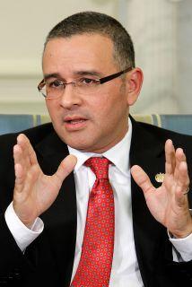 El presidente salvadoreño, Mauricio Funes recibió recibió una calificaci...