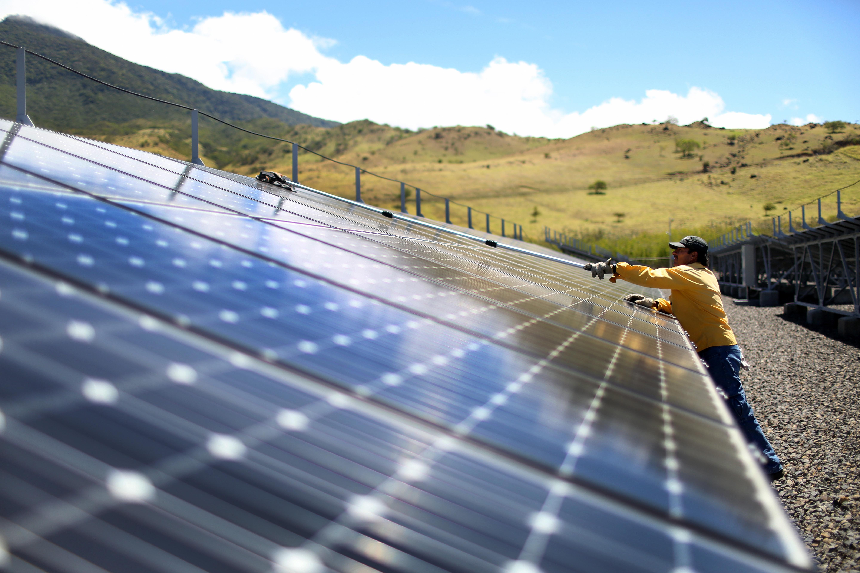 Países con casi 100% de electricidad renovable GettyImages-467696582.jpg