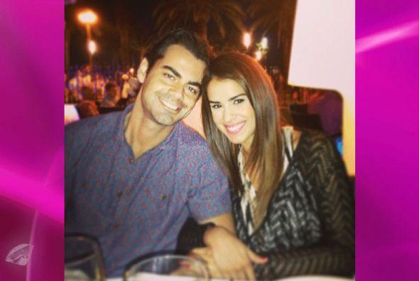 Vanessa De Roide con su novio, un español que le robó el corazón.