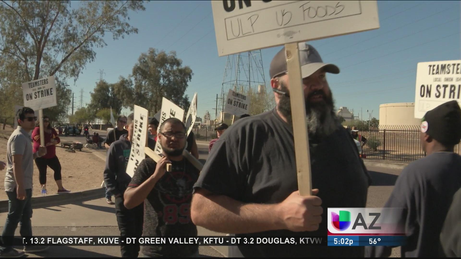 Trabajadores en huelga por supuesto abuso laboral