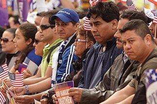 Inmigrantes que han cometido faltas menores podrían recibir un perdón qu...