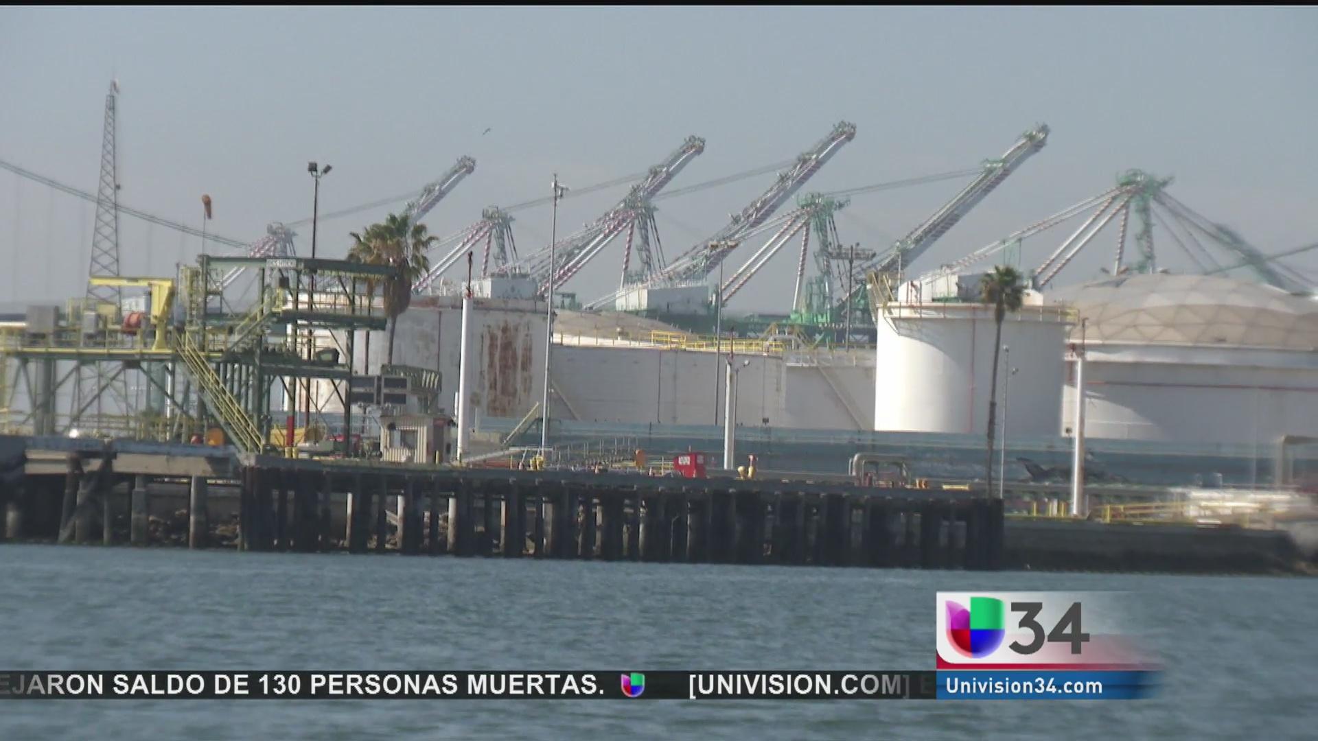 Tierra, mar y petróleo en el Puerto de San Pedro