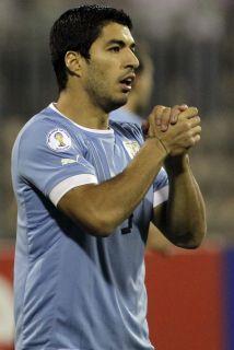 La cúpula de los 'Reds' desea tener a Suárez a la brevedad para que pued...