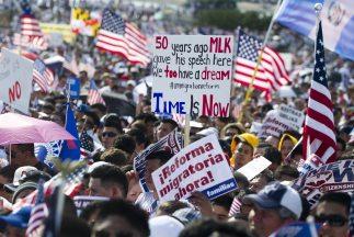 Al menos 11 millones de inmigrates indocumentados esperan que el Congres...