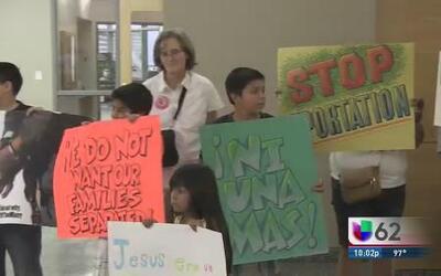 Protestan contra presupuesto de alguacil en Travis