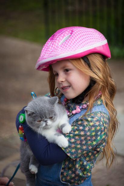 Esta prometedora estrella hace pareja con una adorable niña de 5...