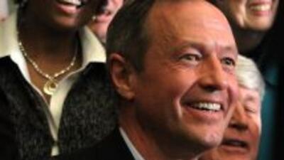 El gobernador Martin O'Malleyfirmó la ley en la Casa de Estado de Maryl...