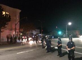 Usuarios de redes sociales compartieron fotos del bloqueo de la autopist...