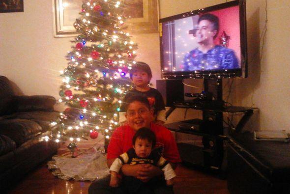 Erica de Crystal Lake nos compartió esta foto de sus tres niños Alfredo,...