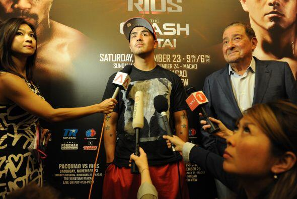 Rios, de 27 años, un agresivo excampeón de los pesos liger...
