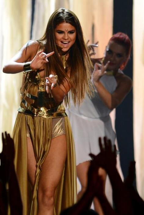 La que de plano dejó de ser la niña buena del 'showbiz' es Selena Gomez,...