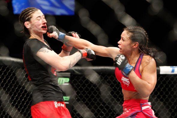 Alexis Dufresne (5-1) vs Marion Reneau (4-1) en peso gallo. Nada mejor p...