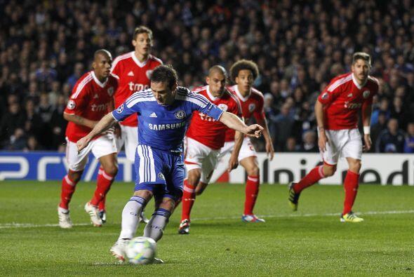 Al minuto 21 se marcó un penalti a su favor.