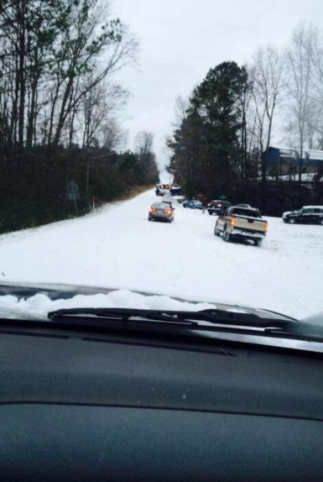 Juanita Ramos, de Birmingham, comparte el nevado panorama que se observa...