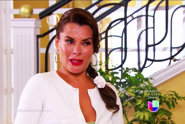 ¿Ya lo pensaste bien Manuela? No te vayas de la mansión.