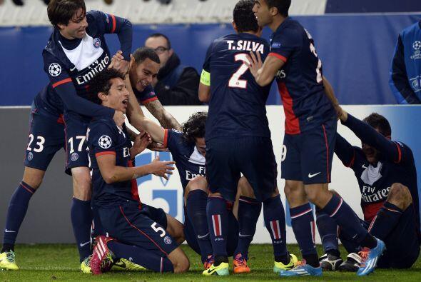 Edinson Cavani marcaba el 2-1 justo al minuto 90 y los parisinos se clas...