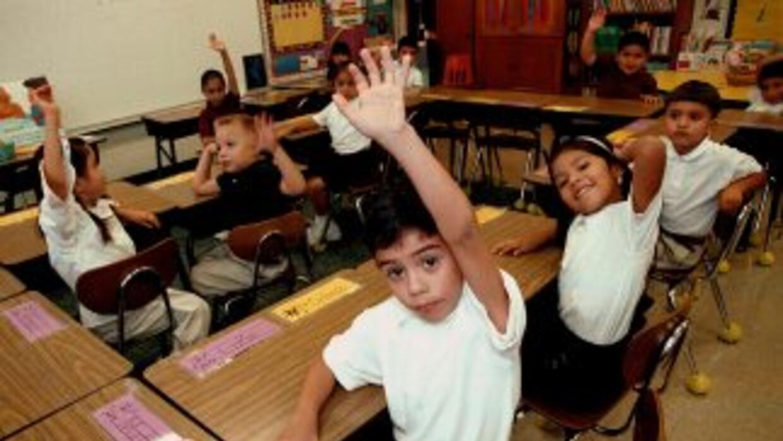 Los datos sobre estudiantes hispanos fueron recogidos por información de...